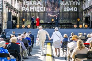 Patriotyczne uroczystości pod patronatem PGNiG. Warszawiacy uczcili pamięć ofiar katyńskich