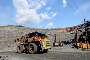 ArcelorMittal grozi zamknięciem kopalni i wyprowadza prawie pół miliarda dolarów z Ukrainy