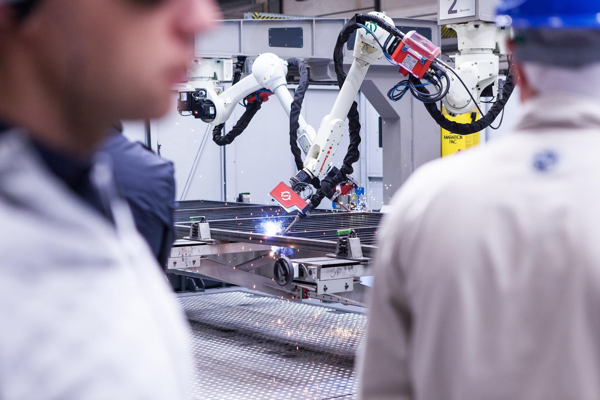 Roboty pozwalają pracownikom skupić się na mniej uciążliwych i monotonnych zajęciach, dodatkowo zmniejszając liczbę błędów - podkreśla Andrzej Wiśniowski. Fot. mat. prasowe