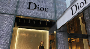 Louis Vuitton zamiast perfum zacznie produkować żel do walki z koronawirusem