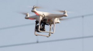 Czujnik podpięty do drona będzie sprawdzał jakość powietrza w Poznaniu