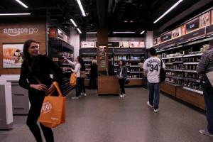 Amazon otwiera największy sklep stacjonarny