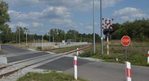 """Na przejściach drogowo-kolejowych uważaj szczególnie w """"pechowych"""" godzinach"""
