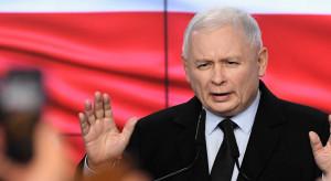Sondażowe wyniki wyborów. Kaczyński otworzył szampana, ale go nie schłodził