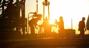 Rosja krytykuje decyzję USA o ochronie pół naftowych w Syrii