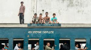 15 osób zginęło w katastrofie kolejowej w Bangladeszu