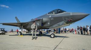 Pentagon wymieni pilotom F-35 ekrany w hełmach wartych 400 tys. USD każdy