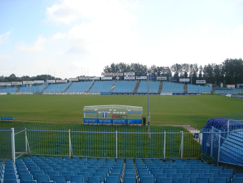 Stadion Wisły Płock w 2007 r. OD dłuższego czasu zabiegano o jego modernizację. (fot. wikimedia.org/CC)
