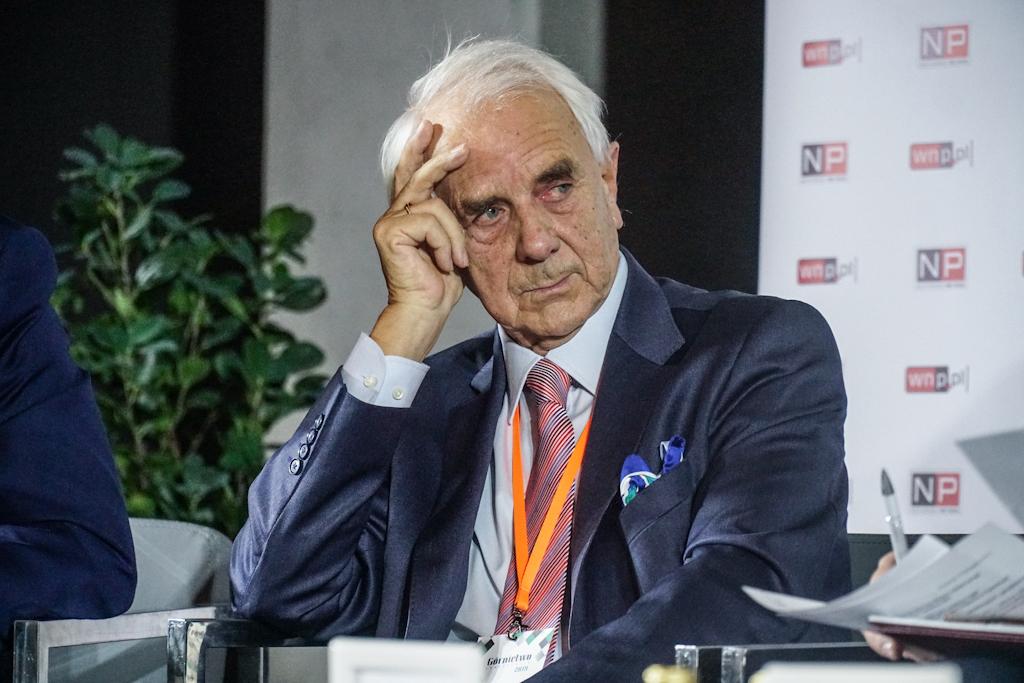 """Herbert Gabryś, niezależny ekspert, zapytał wprost: czy mamy zamiar zamknąć energetykę węglową """"w hospicjum, żeby umierała sobie spokojnie, czy też transformacja powinna przypominać sanatorium, które tę energetykę uzdrowi"""". (Fot. PTWP)"""