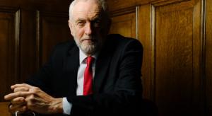 Corbyn zarzuca rządowi w Londynie tajne negocjacje z USA