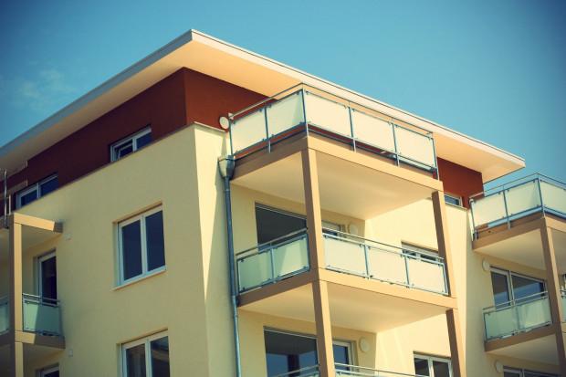 Grunt za mieszkania - rząd wchodzi w deal z deweloperami, by uratować Mieszkanie +