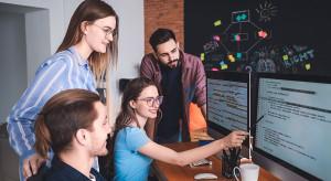 Początkujący programiści chcą znacznie więcej pieniędzy, niż dostają