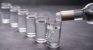 Senacka komisja chce mniejszej niż planowana akcyzy na alkohol i papierosy