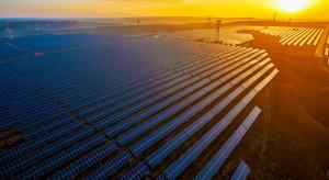 Fundusz BlackRock zebrał ponad miliard dolarów na energię odnawialną