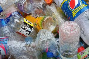 Kaucja za plastikowe butelki coraz bliżej