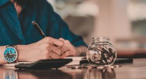 Firmy będą mrozić podwyżki w oczekiwaniu na podwyżkę płacy minimalnej