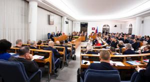 Senat poparł ustawę wprowadzającą tzw. Mały ZUS plus