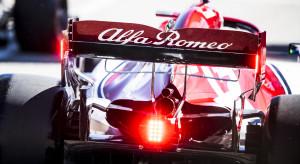 Logotyp Orlenu na bolidach Alfa Romeo i 1000 zagranicznych stacji