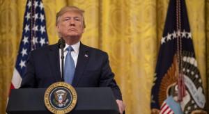 Trump podpisał pierwszą część porozumienia handlowego z Chinami