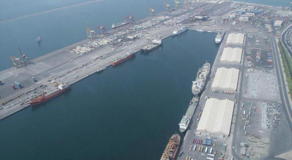 Wielki portowy operator ucieka z giełdy