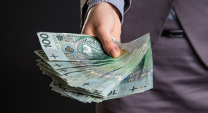 Bankowcy zgodni: Wyższa płaca minimalna podbiła dynamikę wynagrodzeń