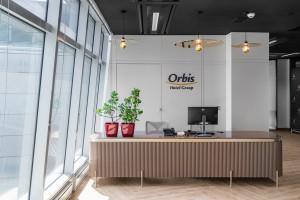 Orbis oszacował spadek przychodów