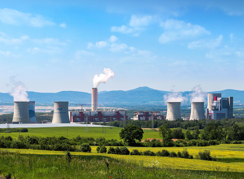 Elektrownia Turów. Nowy blok energetyczny pierwszy od prawej. Fot. PGE