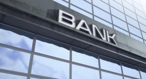 """Banki zamykają oddziały. """"Gotówka jest i będzie dostępna"""""""