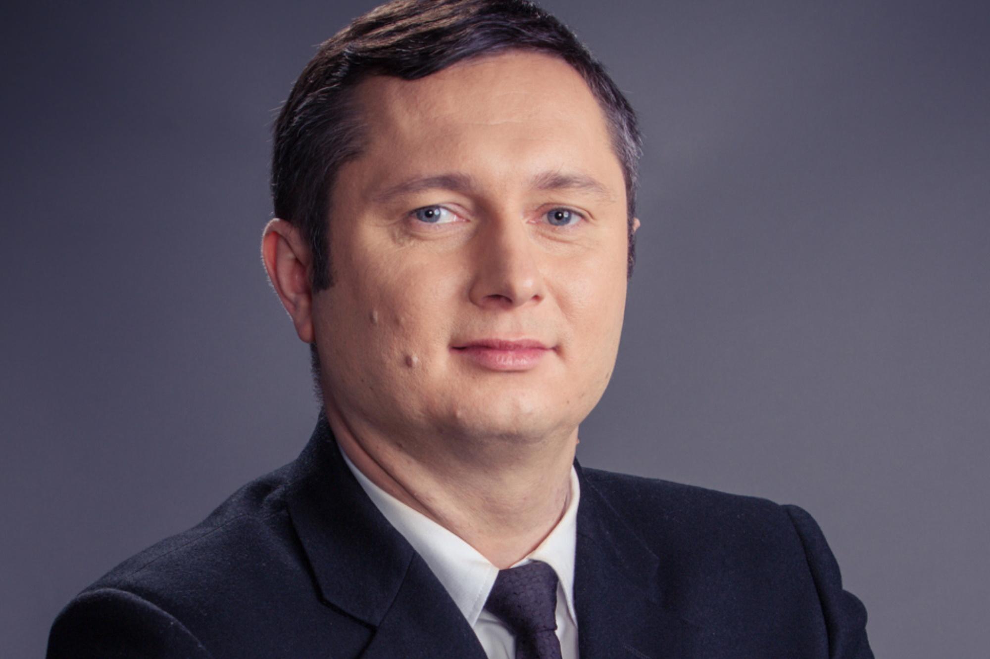 - Sytuacja w jakiej wszyscy się znaleźliśmy jest bezprecedensowa i musimy się do niej dostosować - mówi Mikołaj Placek, prezes Grupy Oknoplast. Fot. mat. pras.