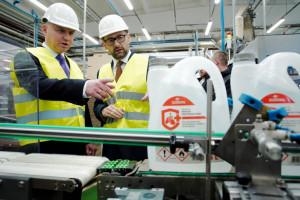 PKN Orlen wstrzymał dostawy płynu do dezynfekcji do supermarketów, które odsprzedają produkt