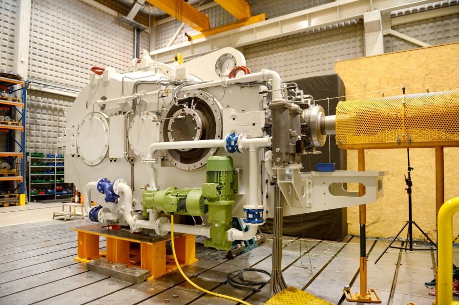 rys. 2. Przekładnia zabudowana na stacji prób FAMUR. Monitoring drgań online stanowi jeden z etapów kontroli jakości podczas docierania i testów odbiorczych.