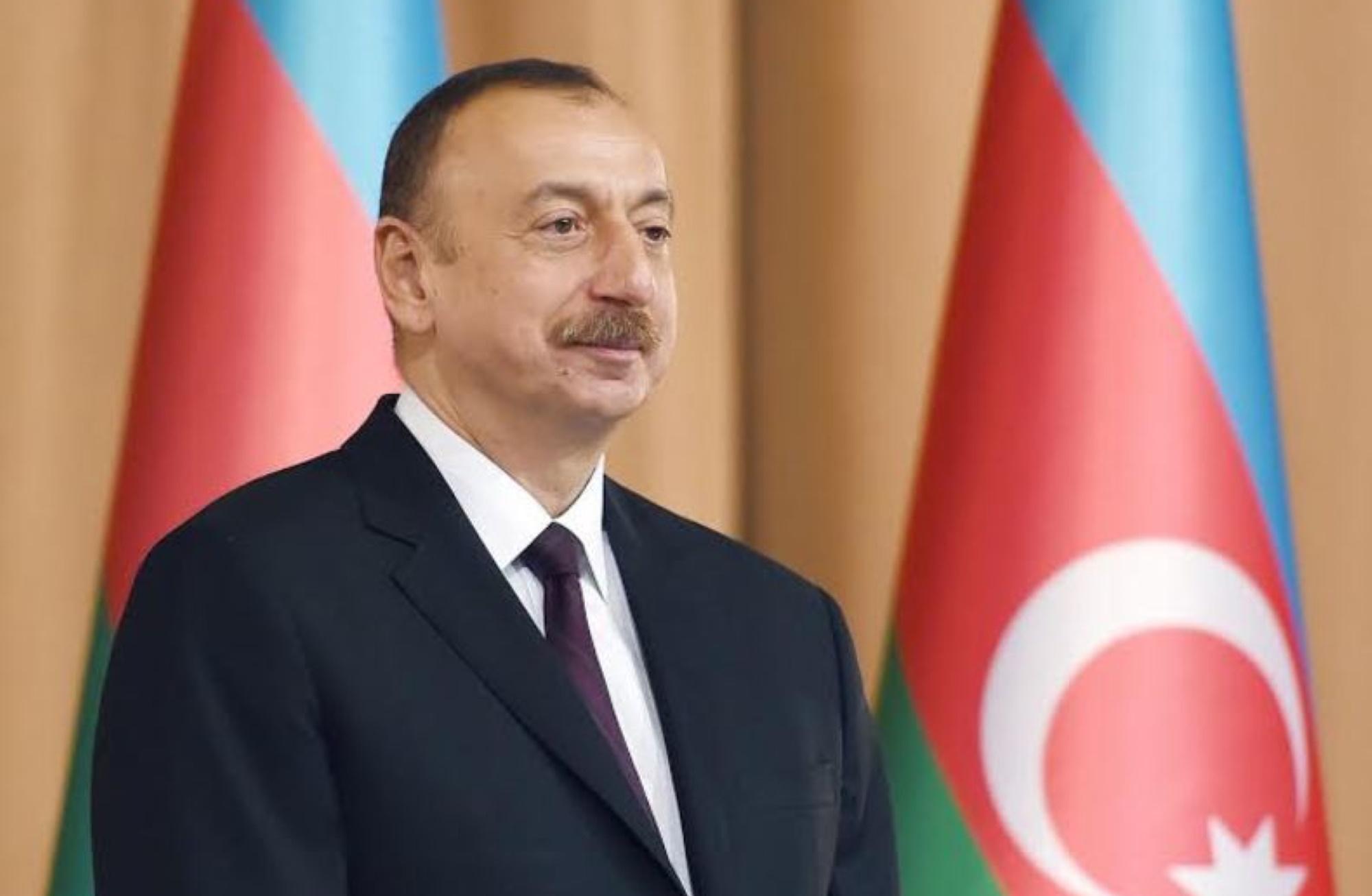 Pomimo wcześniejszej zgody, 18 czerwca prezydent Azerbejdżanu Ilham Alijew odmówił uczestnictwa w paradzie zwycięstwa w rozmowie telefonicznej z Putinem za powód podał krajowy reżim sanitarny jako przyczynę swojej nieobecności. Fot. Oficjalne mat. kancelarii prezydenta Azerbejdżanu/wikimedia, licencja CC BY 2.0